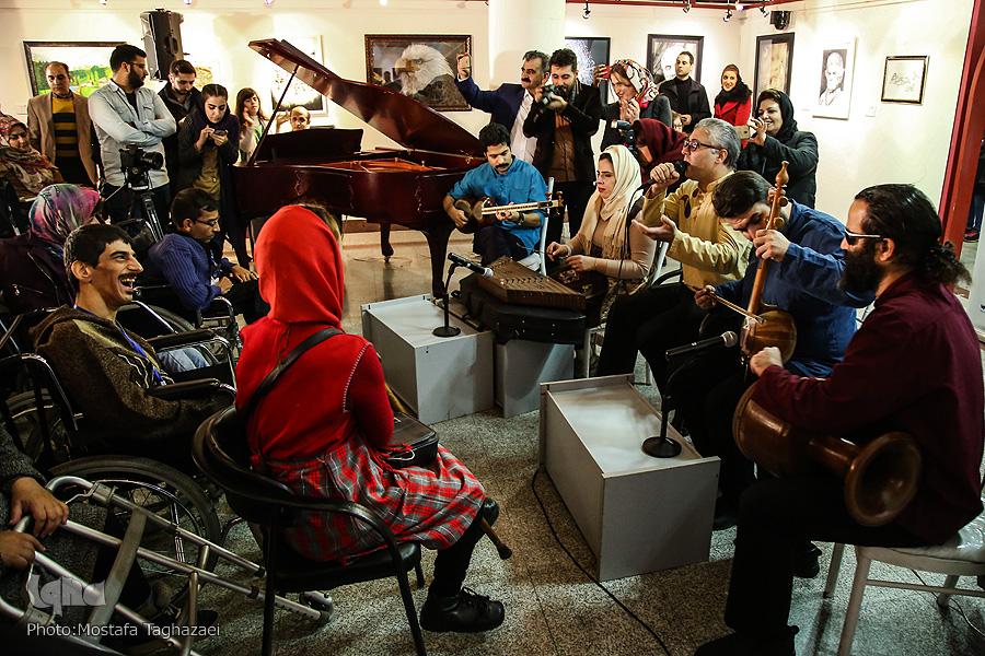 شبی متفاوت برای هنرمندان توانیاب/ نمایش امید در فرهنگستان هنر