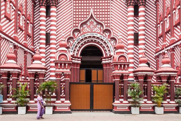 نگاهی به خاصترین مسجد سریلانکا+ فیلم