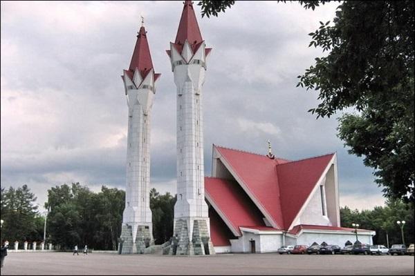 «Ляля-Тюльпан» мечеть со странной архитектурой в России