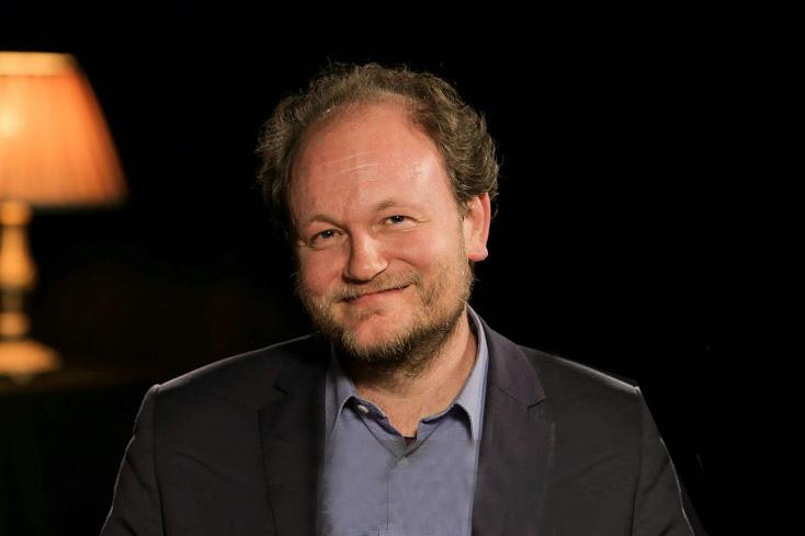 پروفسور «کلاوس فون استوش»، استاد مطالعات الهیات تطبیقی در دانشگاه پادربورن آلمان