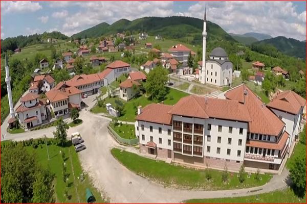 آماده//بانوی بوسنیایی و حکایت سفر معنوی با قرآن/ خواهر دوقلو و همسرم حافظ هستند