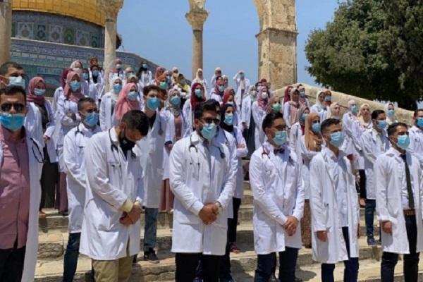 آماده// ادای سوگند پزشکان فلسطینی در مسجد الاقصی