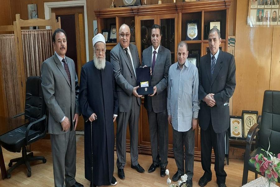 هدیه قرآنی خانواده عبدالباسط به رادیو مصر + عکس