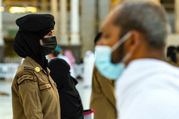 استقرار نیروهای امنیتی زن برای نخستینبار در حرم مکی