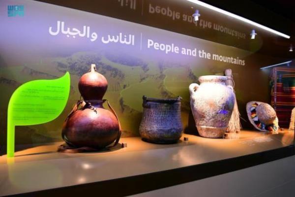 برپایی نمایشگاهی درباره نقش تاریخی و تمدنی مساجد در ظهران عربستان + عکس