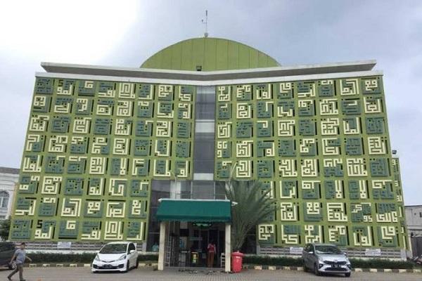 مسجد «اسماء الحسنی»؛ جاذبهای مزین به 99 نام خداوند در اندونزی + عکس