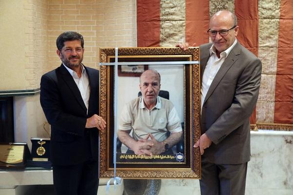 تجلیل از رئیس دانشکده مطالعات اسلامی لبنان به پاس خدمات قرآنی
