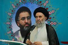 سالگرد شهادت حجتالاسلام تقوی در نمایشگاه قرآن