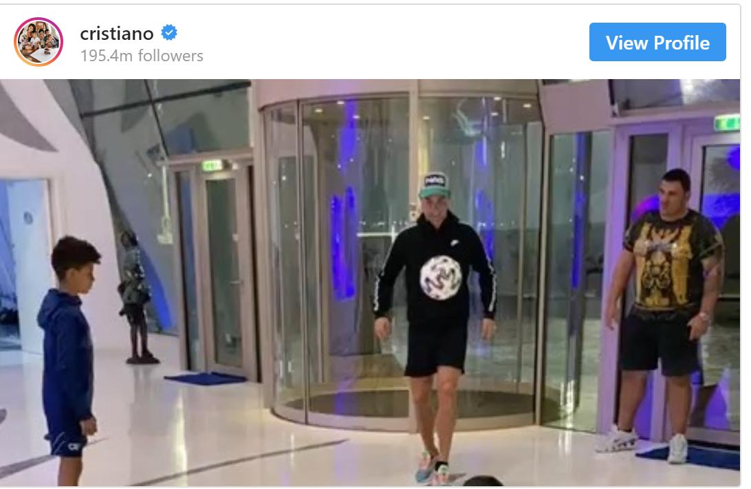 Cristiano Ronaldo réalise le souhait de jeunes musulmans handicapés