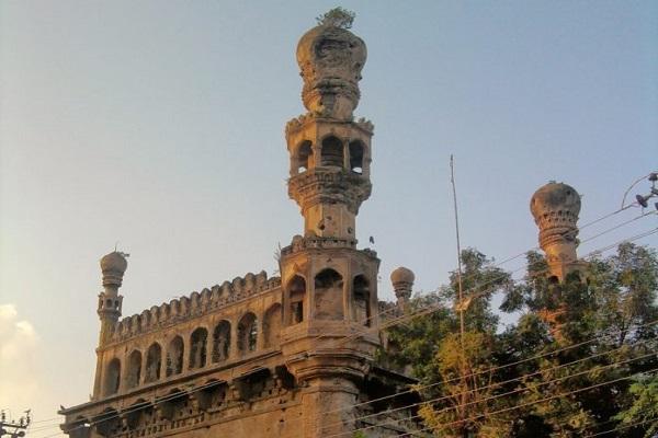 India: la mezquita centenaria de Heidarabad abandonada en un estado de deterioro físico